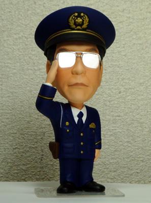そっくり人形製作事例 警官 退職記念 サングラス
