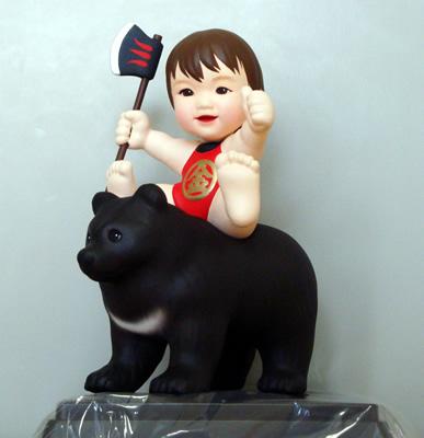 熊に乗った金太郎フィギュア
